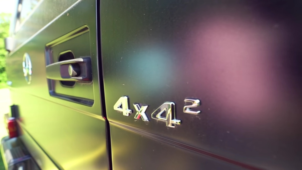 Mercedes-Benz G550 4×4² vs Jeep Gladiator 6x6 tiro alla fune