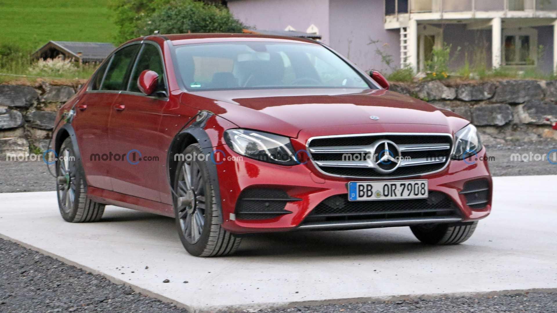Mercedes Classe E strano prototipo foto spia