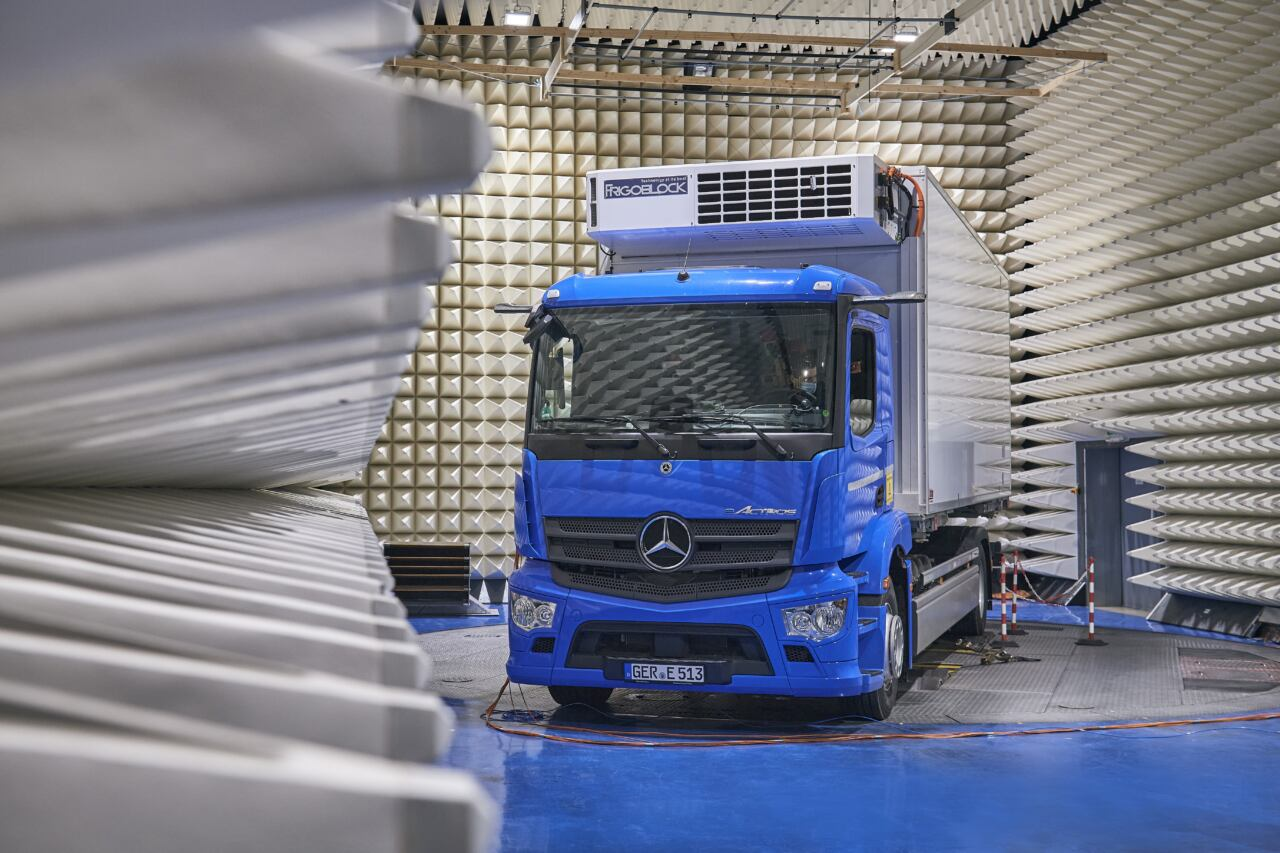 Mercedes eActros debutto giugno
