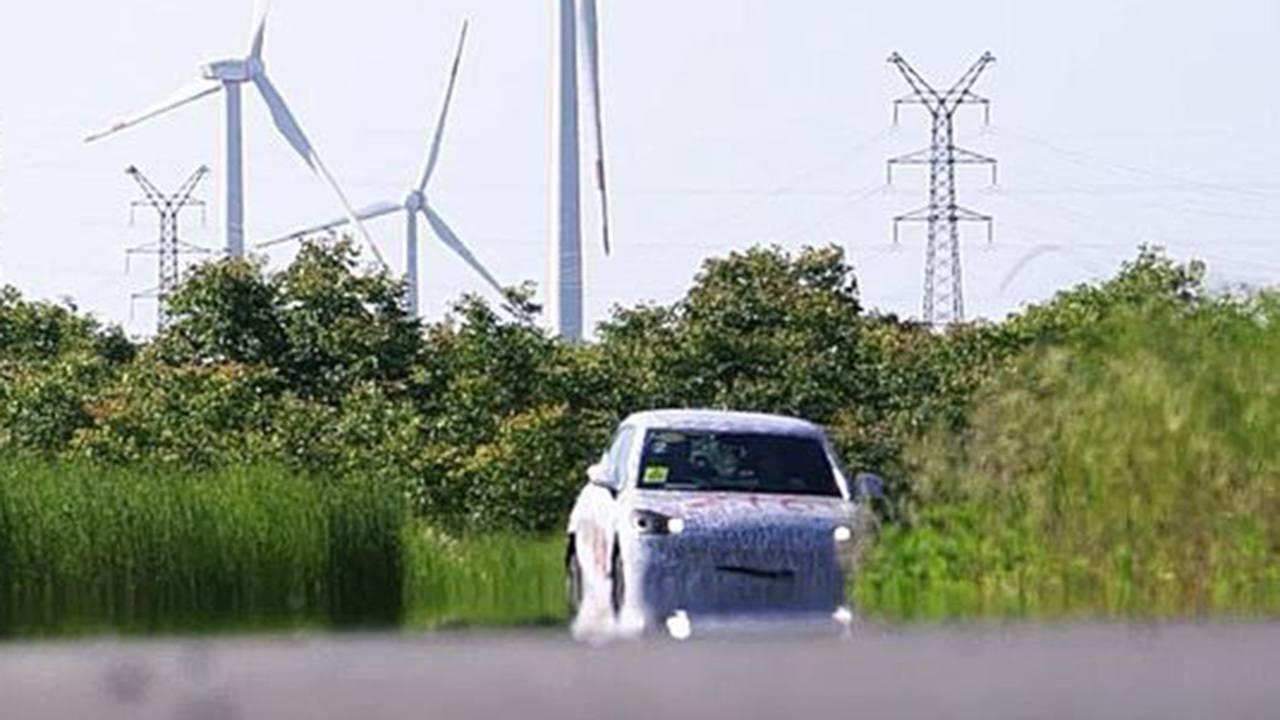 Smart SUV prime foto spia