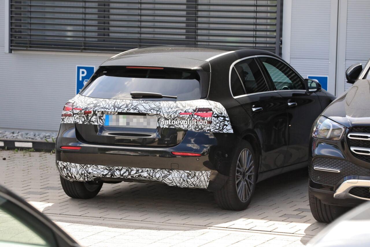 Mercedes Classe A 2023 foto spia restyling