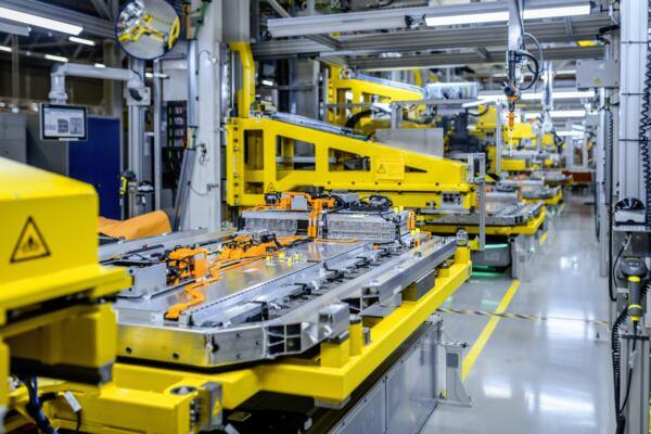 Mercedes GROB partnership batterie