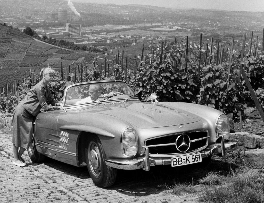 Mercedes vettura